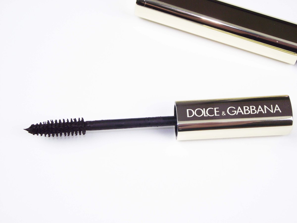 Mascara Monday: Dolce & Gabbana The Mascara Volumized Lashes